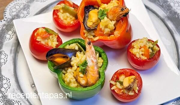 Paprika gevuld met paella